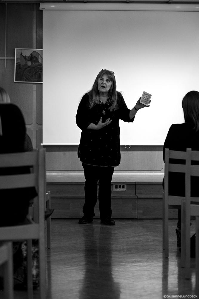 Mediumet Rose-Marie Lundbäck håller seans IOGT Godtemplargården Nermanssalen, Norrköping