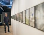 Journalist Nina Christensen, utställning Prekär: om det nya arbetslivets estetik och etik ett samhälle i förändring, på Arbetets museum, porträtt på Dennis